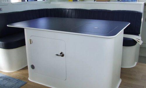Dinette Growler 950 VT Power Catamaran - SDI - Schionning Designs International