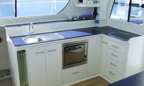 Ray Boat In skip SDI - Schionning Designs International Growler 950 VT